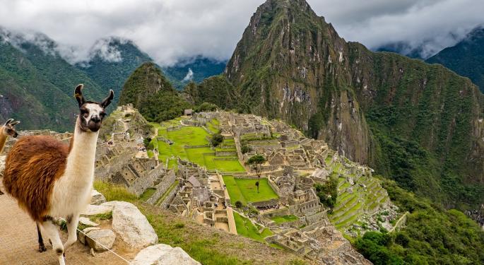 Peru ETF Shrugs Off Political Volatility