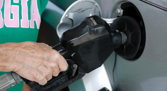 5 Costly Mistakes Drivers Make At The Gas Pump