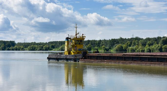 River Transport News Publisher Addresses Issues Facing River Barge Industry