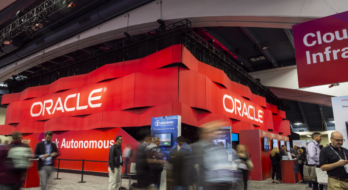 UBS, KeyBanc Preview Oracle's Q4, Eye Forex Impact