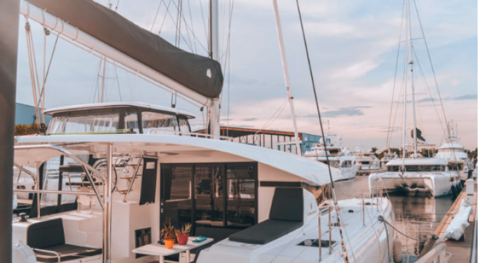 How This Blogger Earns $1 Million A Year — On a Sailboat