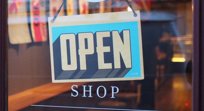 Retail Picks: DA Davidson Bullish On PVH, TJX, Burlington, Canada Goose, Neutral On Lululemon