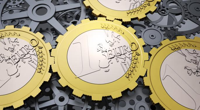 Euro Ticks Down Ahead Of ECB Meeting