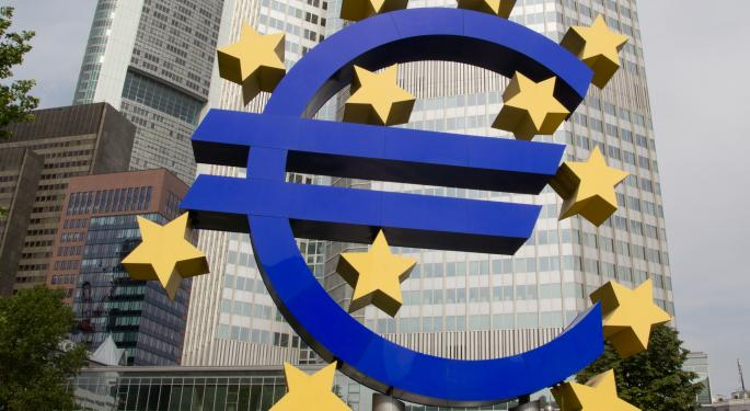 Cyprus Bailout Weighs on Euro