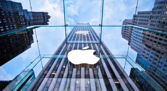 Apple Shoots Down Larger iPhone; Changes Guidance