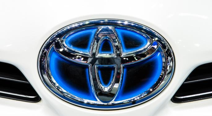 Toyota Executive Defends Hydrogen Fuel Cells and Dismisses Naysayers