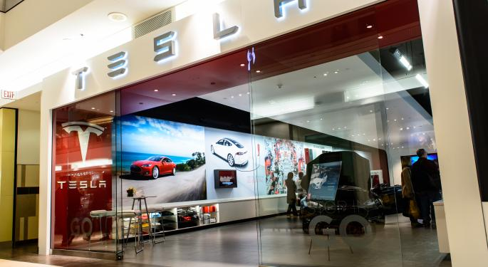 Weekly Highlights: Apple-Tesla Merger, iPhone Sales Double In Russia, Facebook Buys WhatsApp And More