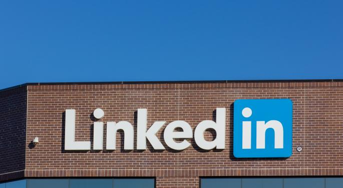 Analysts React to LinkedIn's Positive Quarter and Lowered Guidance
