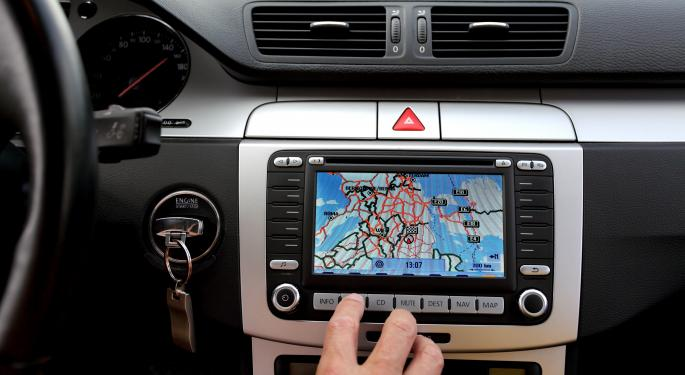 Why Does Apple's CarPlay Exclude Pandora And Google Maps?