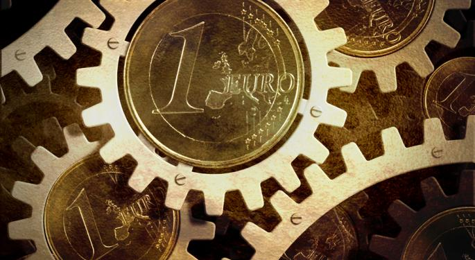 Euro Holds Steady as Greek Problems Placed on Back Burner