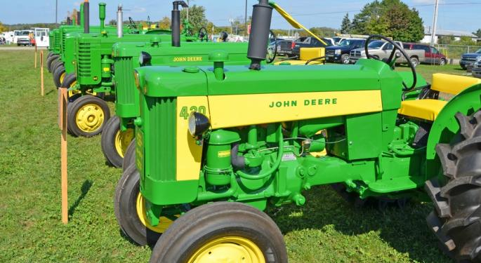 Despite Revenue Beat, Deere Shares Tumble