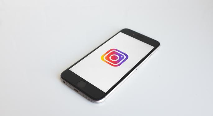 BTIG Raises Facebook Price Target By More Than 50%, Says Instagram Becoming 'Most Powerful, Valuable Mall In The World'