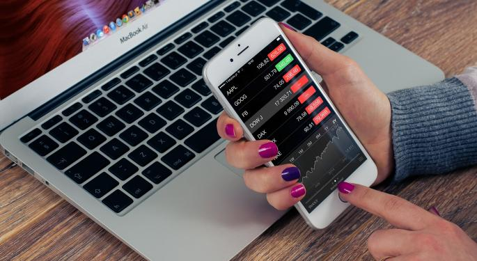 Option Traders Betting Big On Schwab Ahead Of Earnings