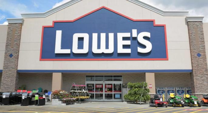 Lowe's Tumbles Following Mixed Q1 Earnings, Reduced Guidance