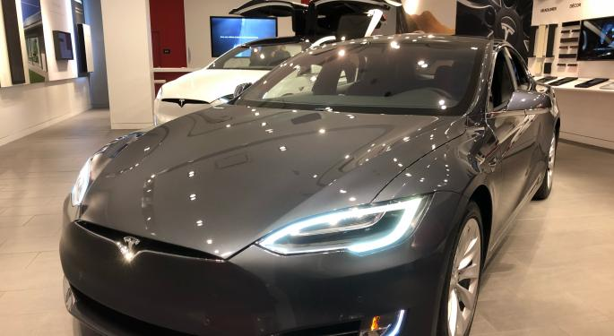 Bernstein: 'Uncertainties Loom Ahead' For Tesla Following Q1 Delivery Report