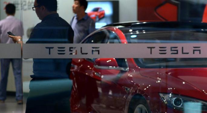 Tesla Secures Lithium Suppliers For GigaFactory, Trip Chowdhry Shares Insight