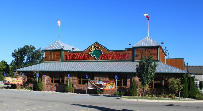 Longbow Downgrades Texas Roadhouse Ahead Of Q1 Report, Stays Positive On Long-Term Fundamentals