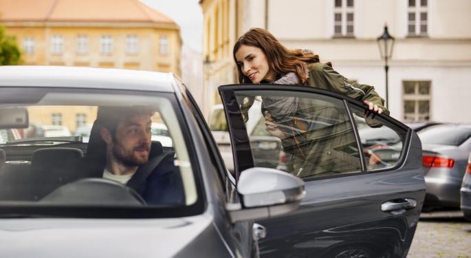 WSJ: Uber, Lyft Investors Should Be Aware Of 'Unusual' Metrics