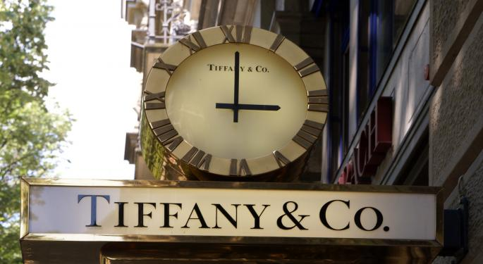 Analyst's Early Reaction To Tiffany's Earnings: 'Better Than Feared'
