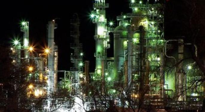 Schlumberger, Valero, Others See Rise in Short Interest