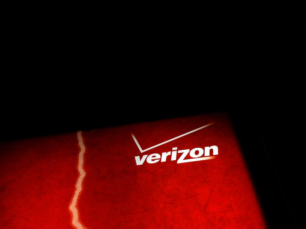 acquisitions vodafone acquires hutchisson's stake Verizon will also sell its minority stake in vodafone's italian business for $35   could still look to complete further acquisitions if it found the right targets   rumors of potential takeover structures — in one, verizon and at&t.